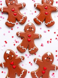 How to Make Adorable Gingerbread Men Cookies | The Bearfoot Baker