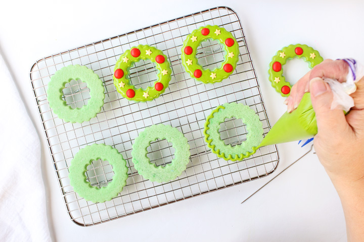 How to Make Festive Christmas Wreath Cookies | The Bearfoot Baker