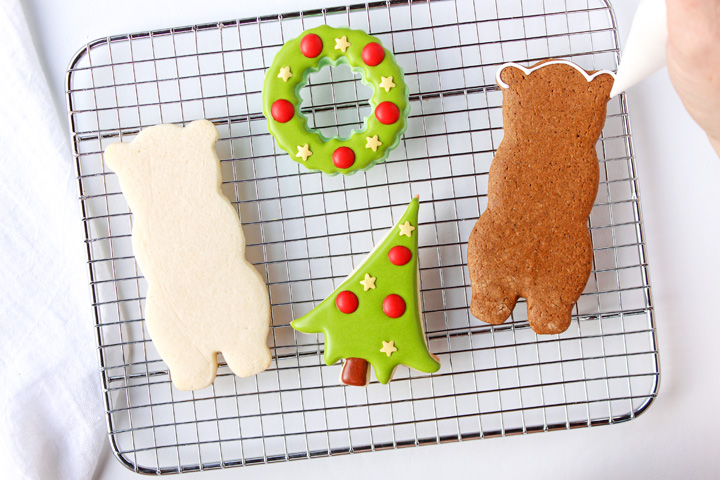 Fun Simple Decorated Bear Cookies | The Bearfoot Baker