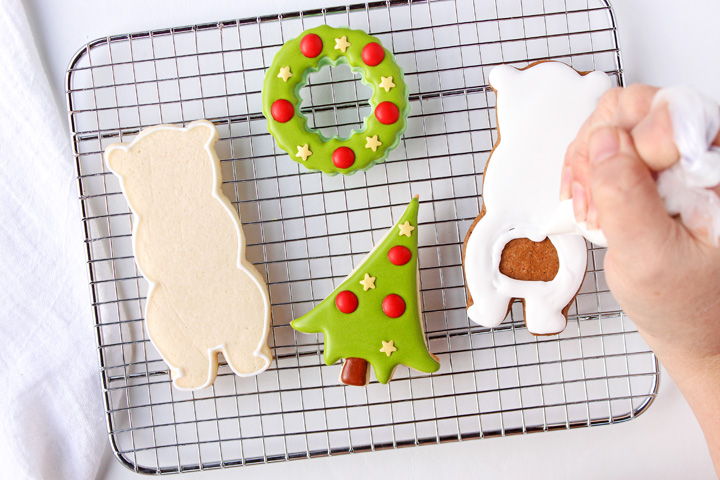 How to Make Cute Decorated Bear Cookies | The Bearfoot Baker