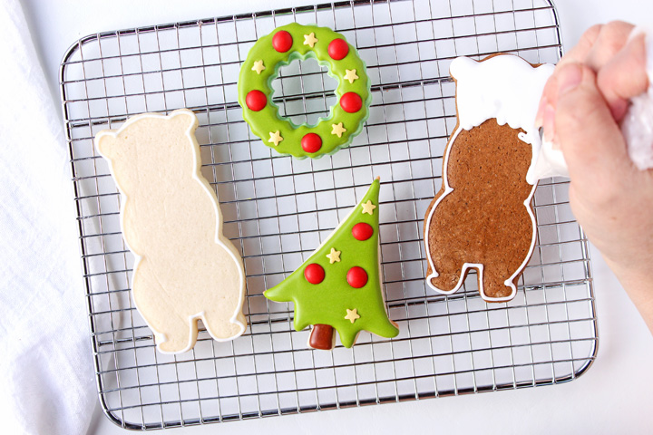 How to Make Decorated Bear Cookies | The Bearfoot Baker
