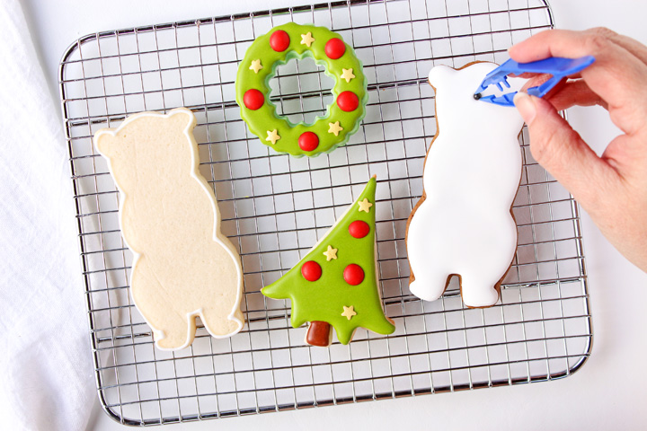 Simple Decorated Bear Cookies | The Bearfoot Baker