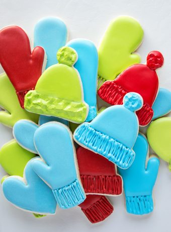 How to Make Simple Mitten and Hat Cookies | The Bearfoot Baker