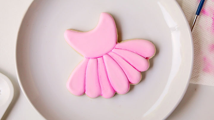 How to Make a Ballet Cookie without an Airbrush Gun | The Bearfoot Baker