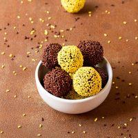 How to Make Chocolate Ganache Truffles Recipe | The Bearfoot Baker