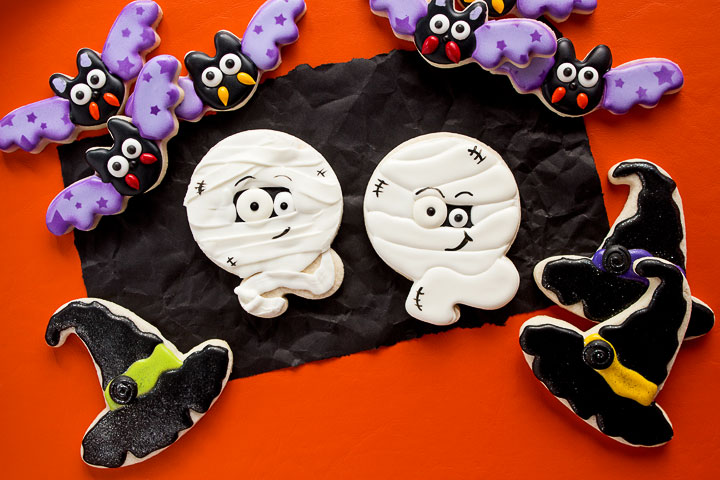 Frightening Mummy Cookies for Halloween | The Bearfoot Baker