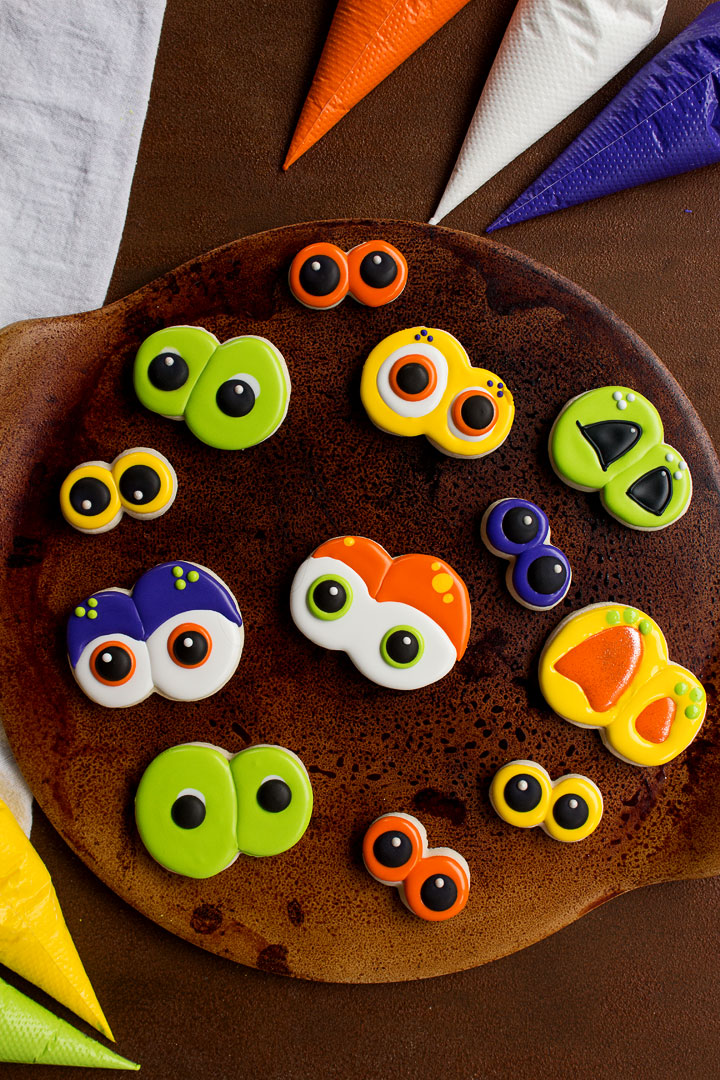 How to Make Scary Eye Cookies for Halloween | The Bearfoot Baker
