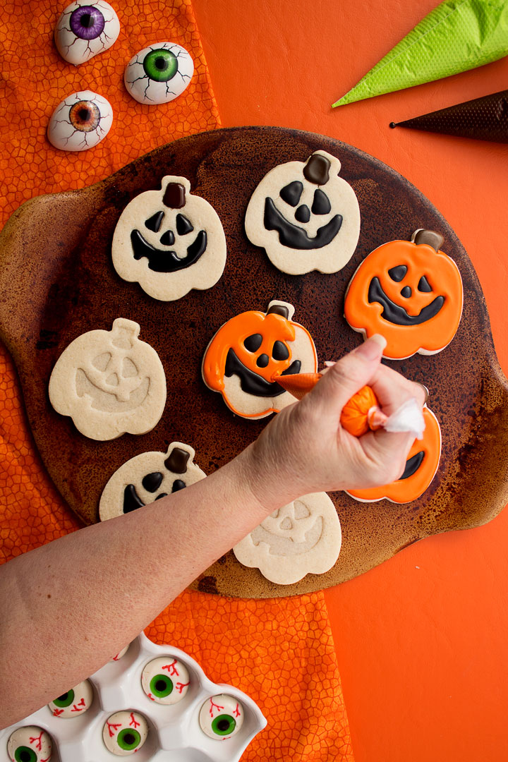 Jack-O-Lantern Cookies for Halloween | The Bearfoot Baker