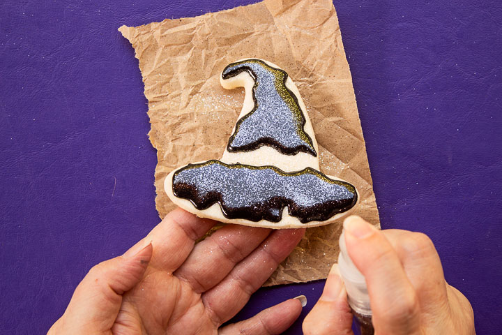 Make Happy Witch Hat Cookies For Halloween | The Bearfoot Baker