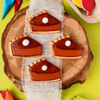How to Make Simple Pumpkin Pie Slice Cookies | The Bearfoot Baker