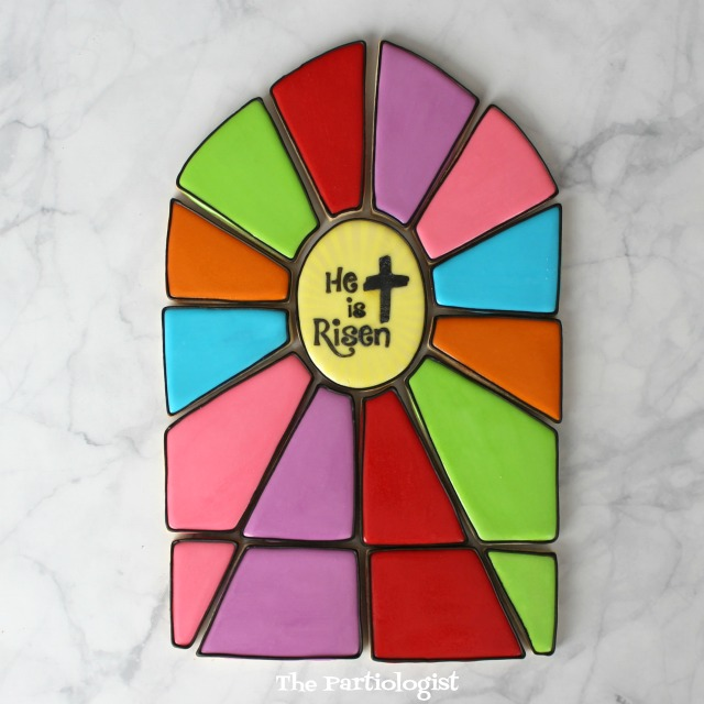 A Beautiful Stained Glass Cookie Platter By The Partilolgist | The Bearfoot Baker