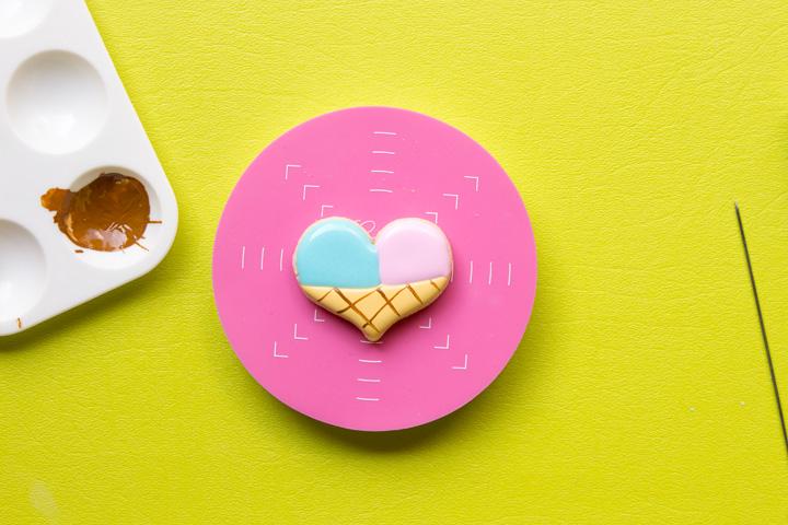 How to Make Fun Heart Ice Cream Cone Cookies | The Bearfoot Baker