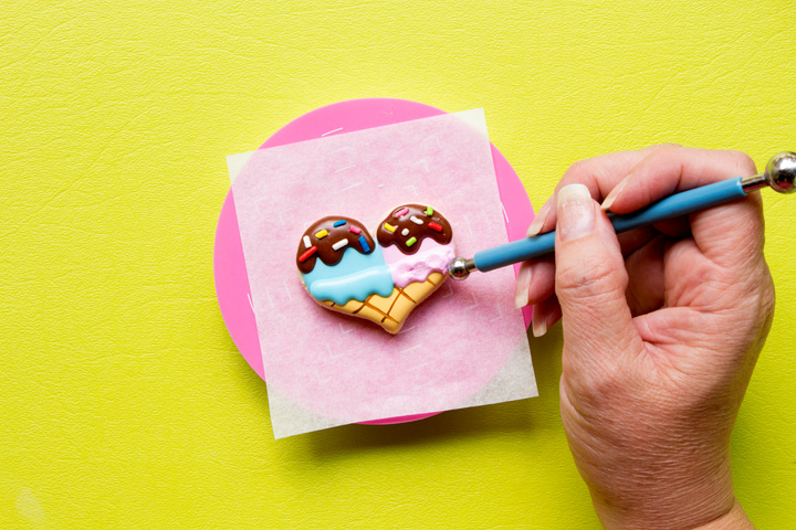 How to Make Simple Heart Ice Cream Cone Cookies | The Bearfoot Baker