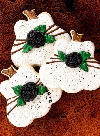 cookie decorating, pumpkin sugar cookies