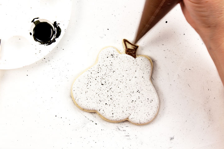 cookie decorating, pumpkin sugar cookies