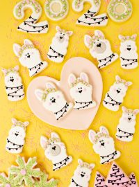 New Year's Cookies, llama cookies, sugar cookies, decorated sugar cookies, cookie decorating, royal icing
