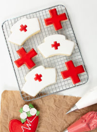 nurse hat cookies, sugar cookies, royal icing, sugar cookie tutorial, the bearfoot baker, medical cookies