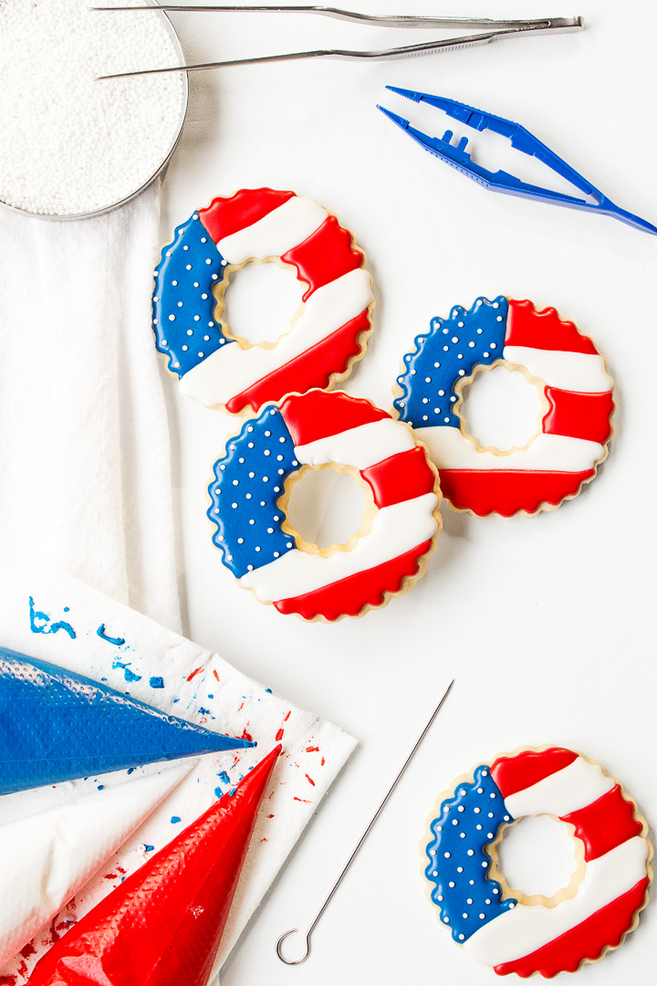 Memorial Day Cookies, sugar cookies, royal icing, the bearfoot baker, flag cookies, USA, American flag