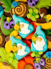 gnome cookies, gnome, cookies, sugar cookies, decorated cookies, cookie decorating, royal icing