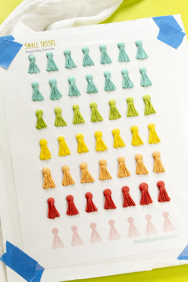 royal icing transfer, royal icing, free royal icing pattern, tassel, tassel cookies, the bearfoot baker, graduation cookies