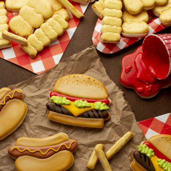 sugar cookies, National Hamburger Day, National Hot Dog Day, Hamburger, Hamburger Cookies, Hot Dog, Hot Dog Cookies, The Bearfoot Baker, royal icing, decorated sugar cookies, cookie decorating