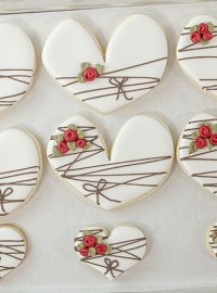 heart cookies, The Bearfoot Baker, Valentine Cookies, icing roses, wedding cookies, birthday cookies