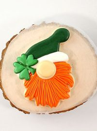St Patrick's Day, St. Patrick's Day Cookies, gnome cookies, sugar cookies, royal icing, The Bearfoot Baker, holiday sugar cookies, decorated sugar cookies