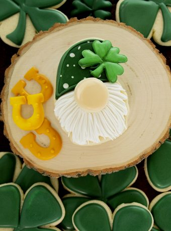 gnome, gnome cookies, St. Patrick's Day Cookies, The Bearfoot Baker, sugar cookies, royal icing